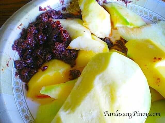 manggang hilaw with bagoong - green mango with shrimp paste
