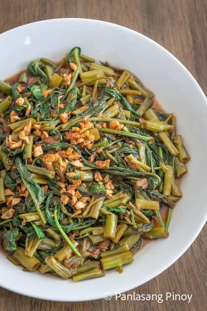 how to cook adobong kangkong