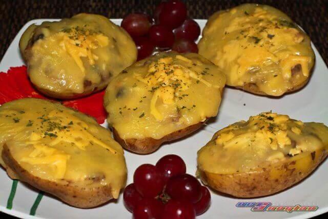 Baked-Stuffed-Potatoes