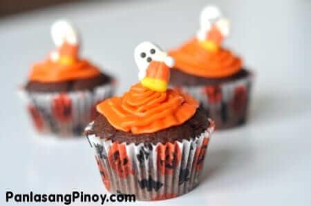 Ghostly Dark Chocolate Cupcake