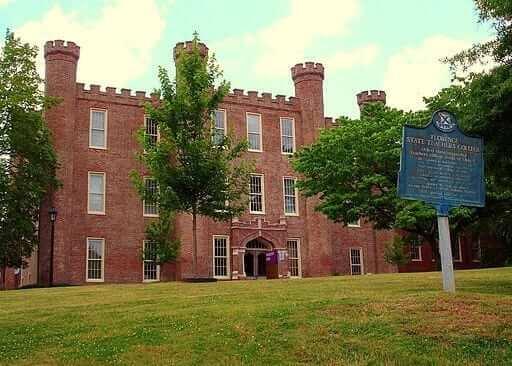 Wesleyan_Hall_at_University_of_North_Alabama