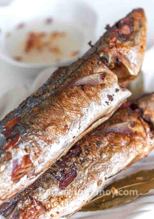 Fried fish adobo recipe for Fish recipe panlasang pinoy