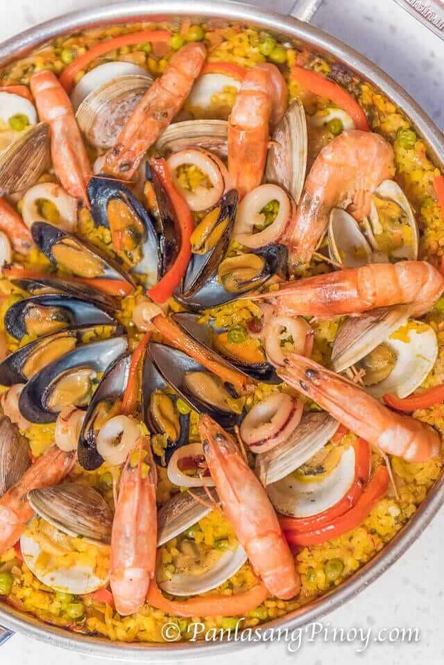 Seafood paella recipe panlasang pinoy seafood paella recipe forumfinder Choice Image