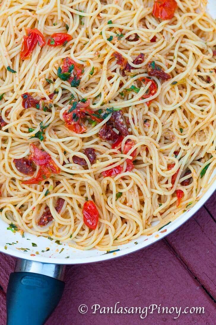 Fresh Basil and Sun Dried Tomato Spaghetti Pasta Recipe_