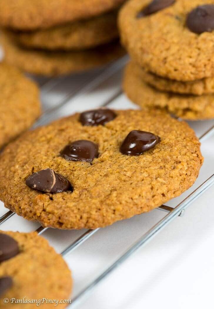 Panlasang Pinoy - Oat Bran Chocolate Chip Cookie