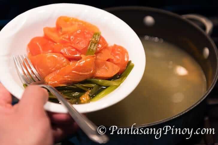 segregate the tomato and scallion
