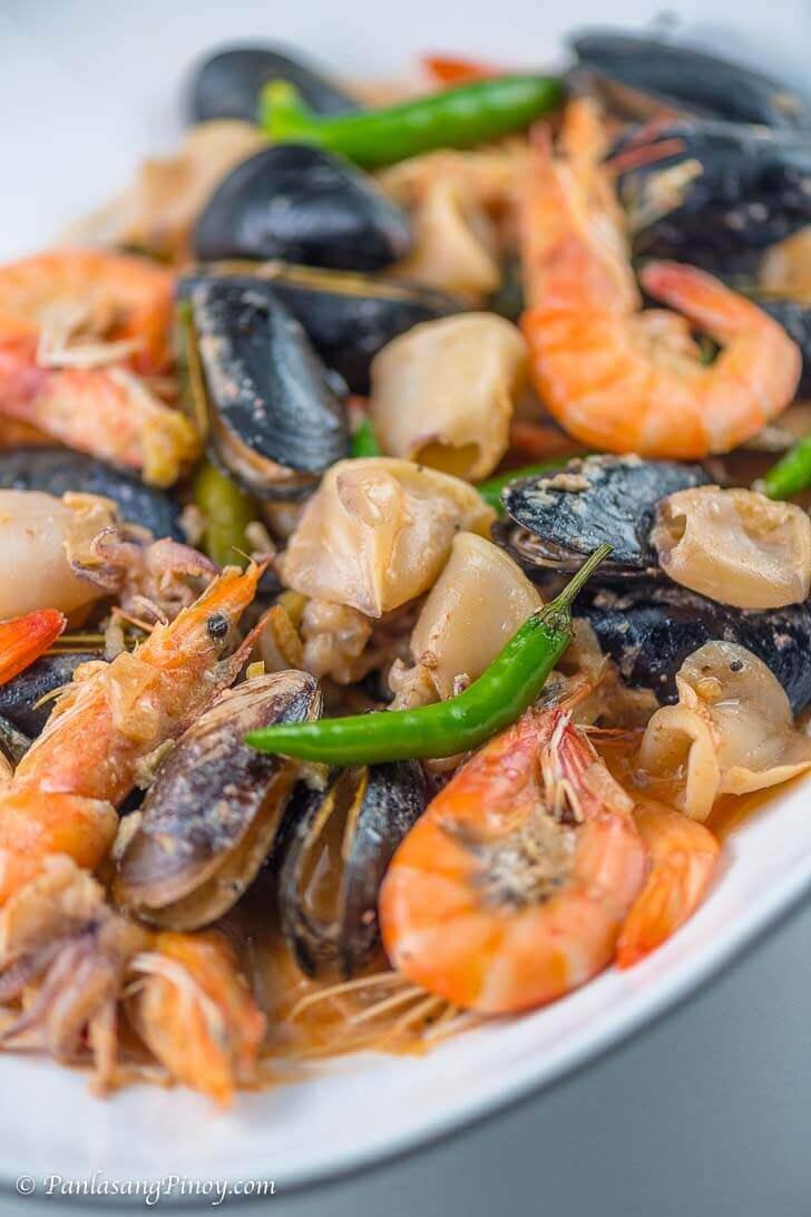 Seafood bicol express panlasang pinoy seafood bicol express recipe panlasang pinoy forumfinder Choice Image