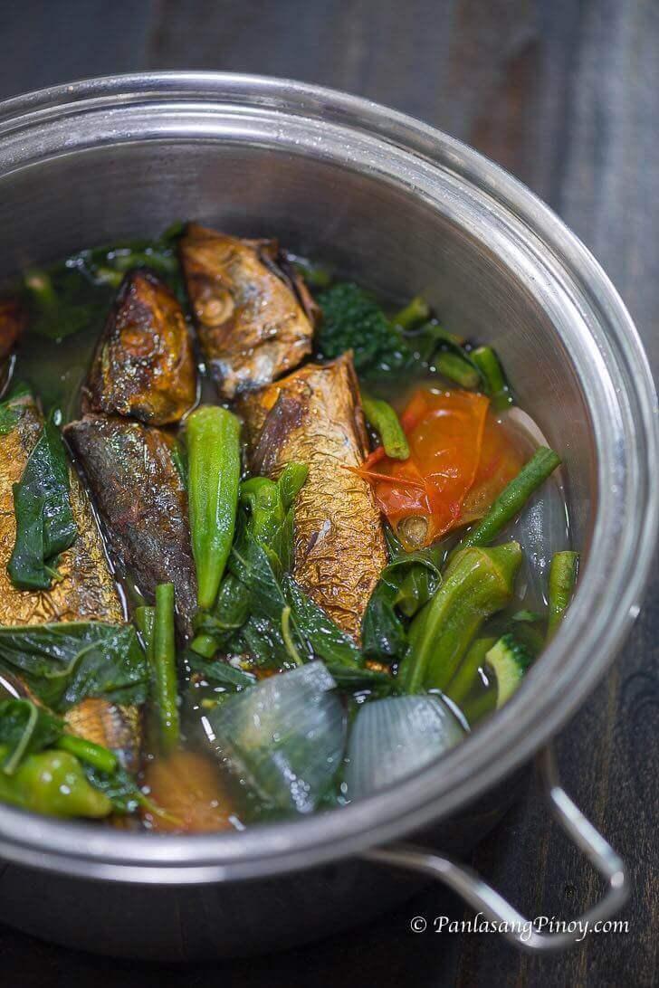 Dinengdeng na Saluyot with Tinapa Recipe