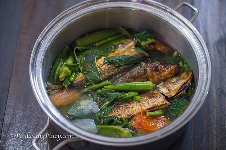 Dinengdeng na Saluyot with Tinapang Galunggong Recipe