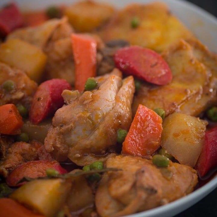 How to Cook Chicken Afritada